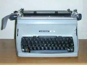Underwoodfive typewriter Courtesy X570, Wikimedia Commons