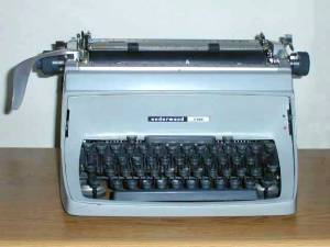 Underwoodfive typewriter Courtesy X570, Wikimedia Commons