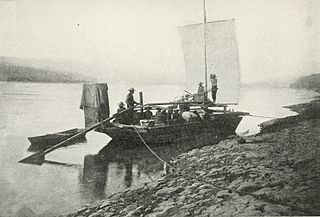 Boat_on_the_Upper_Yukon
