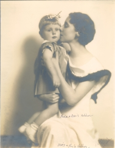 1934-Seattle-Paula (age one) Doris (age 27) copy